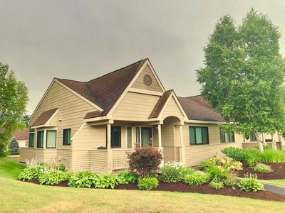 G4 Modern home with AC within walking distance of golf course and Mt Washington Hotel