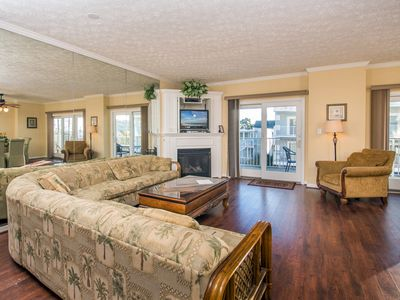 Photo for Spacious, beautifully decorated unit.