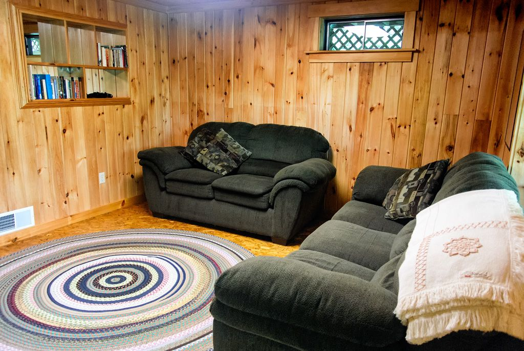 Summer 2018 almost gone maine lakeside log cabin 3 bd for Cabin rentals in maine with hot tub