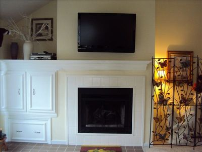 """Living Room with 46"""" Flat Screen TV."""