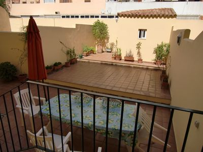 Photo for Cozy apartment 5 minutes walk from the center and the beach