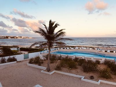 Photo for 1 KING bed/1 bath, Oceanfront, A/C, Full Kitchen, Wi-Fi, Auto, huge waterfront d