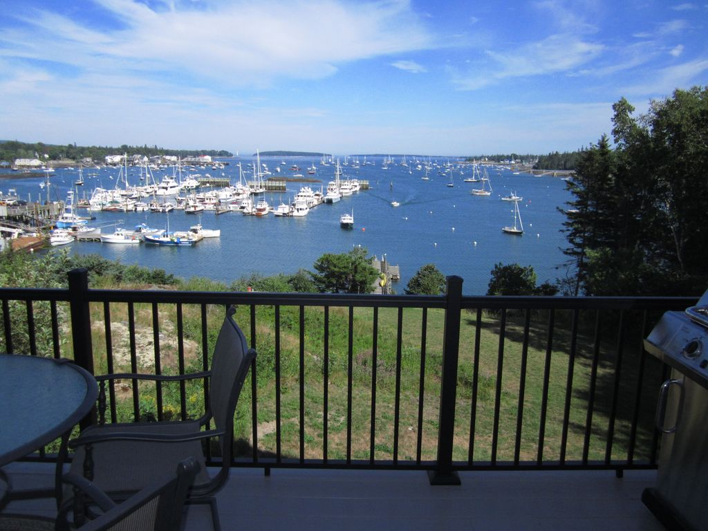 Hot Tub! Gorgeous Waterfront on Harbor... - HomeAway Southwest Harbor