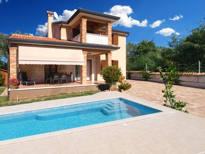 Photo for Holiday house Poreč for 6 persons with 3 bedrooms - Detached holiday house