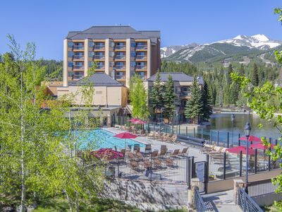 Photo for 7231 Marriott Mountain Valley Lodge | Ski-in/out Peak 9, Olympic Heated Pool!
