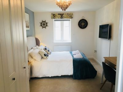 Photo for Cosy En-Suite Room with king size bed  in Bicester