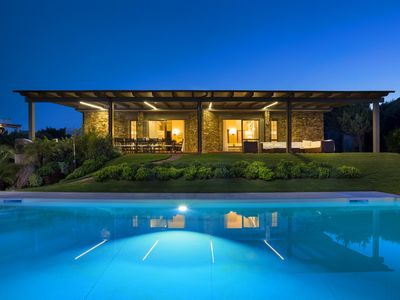 Photo for Villa with swimming pool in reserved context