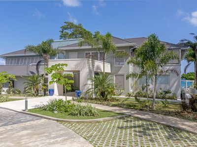 Photo for Buttonwood Reef -Waterfront! [9BR]