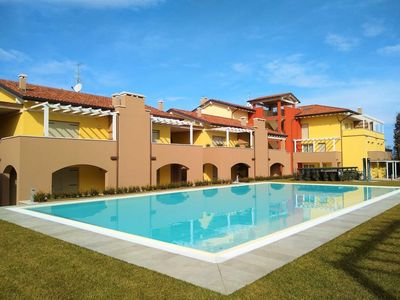 Photo for Holiday apartment Peschiera del Garda for 5 persons with 2 bedrooms - Holiday apartment