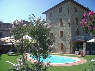 Photo for Beautiful apartment with pool, WIFI, A/C, TV, washing machine, panoramic view and parking
