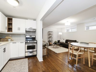 Photo for Luxurious•Central•King bed• Free parking•2 Baths•Restaurants•Shopping