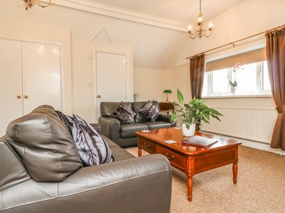 Photo for PENTHOUSE, with a garden in Minehead, Ref 934085