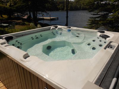Photo for Lake Front *10 mins to Kalahari, Hot Tub, Linen included *7 Bedrm. WI-Fi