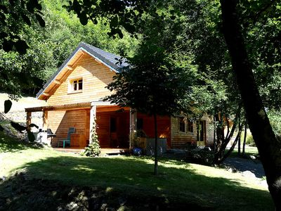 Photo for Chalet **** 6/8 people on the lake Pannecière, near Chaumard