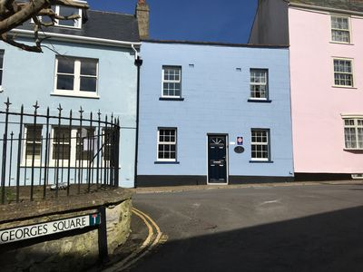 Photo for Georgian terraced family cottage - 3 minutes walk from beach
