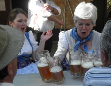 Thirsty Oktoberfest St. Pauli Girls