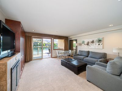 Photo for Grandview River View 627! Luxury Waterfront condo, sleeps up to 6!