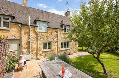 Photo for Wyncliffe is a beautifully presented property in the vibrant market town of Chipping Campden.