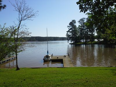Photo for Lakehouse with wonderful views of the main lake, convenient to town. * DISH TV *