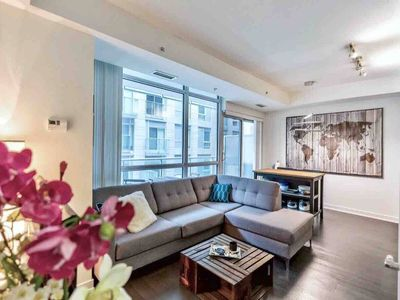 Photo for Cozy 2 Bed, 2 Bath Condo-Heart of DT Toronto