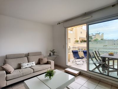 Photo for Modern apartment in the centre of Antibes near the sandy beaches