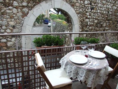 Photo for La Petite Maison ... Apartment 2/4 people in the historic town center of Taormina