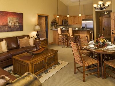 Photo for Beautiful 2 Bedroom Suite at Lodge with Pool & Hot Tub!