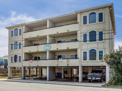 Beautifully Decorated Condo with Elevator & Only75 Yards To The Beach.