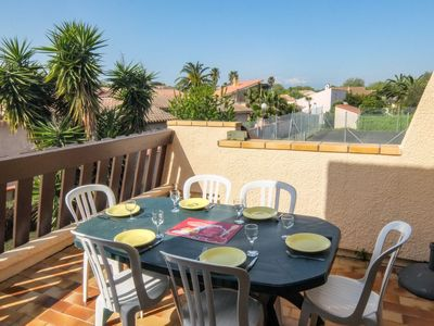 Photo for Apartment Tennis Résidence in Saint Cyprien - 6 persons, 2 bedrooms