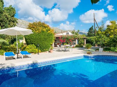 Photo for Rural villa with a pool in the garden - Cal Lloro