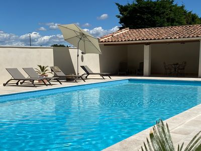 Photo for Comfortable gîte in a 19th century Provencal farmhouse ideally located