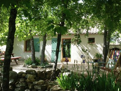 Photo for A pretty cottage in the Luberon Regional Park