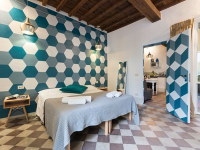 Photo for FIESOLANA 6 - In the Heart of Sant'Ambrogio - Apartment for 4 people in Florencia