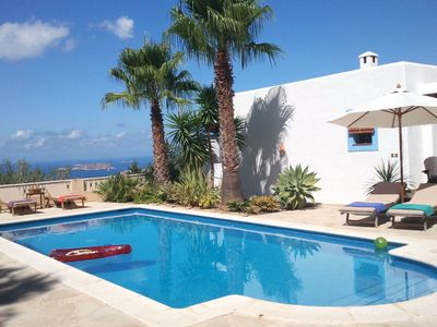 Photo for Cozy Villa in Ibiza with swimming pool.