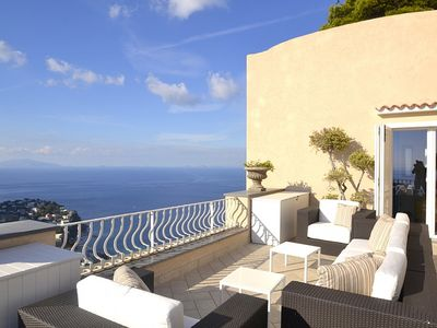 Photo for Villa Due Marine: A splendid and luminous apartment situated in a quiet location, at a short distance from the famous Piazzetta of Capri, with Free WI-FI.