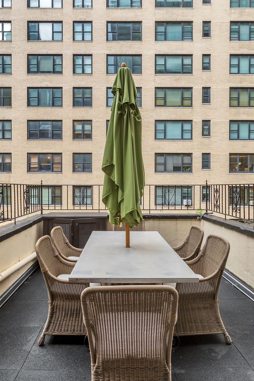 Huge True 3/2 Columbus Circle/Times Sq./Central Park. Entire Floor. Back patio