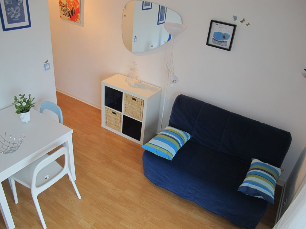 charmantes appartement design singapur, sunny 2-star apartment in a norman-style - homeaway cabourg, Design ideen