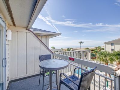 Photo for New For 2020! 3rd Floor Breakers. King Bed, Ocean Views, Free Bikes.
