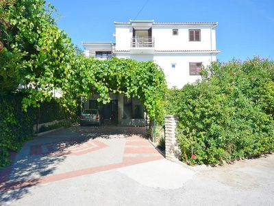 Photo for Apartment 450 m to the beach, 4 people, 1st floor, sea view, free WiFi, terrace
