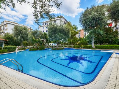 Photo for Sorrento center apartment, pool, 5 bedrooms, 5 bathrooms