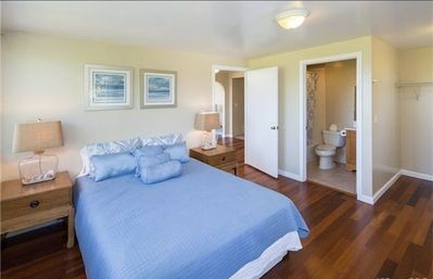 Photo for Gorgeous 3 bedroom 2 bath overlooking Paiko and Diamond Head