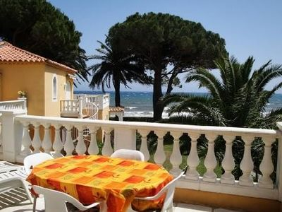Photo for Apartment Cavalaire-sur-mer, 4/6 people, exceptional location!