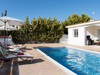 Photo for Bungalow Casa Bonita - Modern and Private Bungalow 5 mins walk to the beach