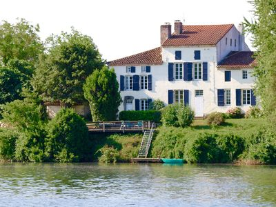 Photo for Beautiful 18th century self-catering cottages on the banks of the river Lot