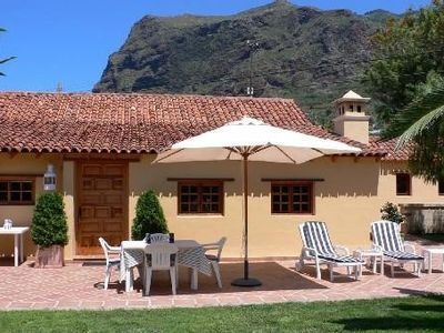 Photo for Charming Villa with garden full of flowers located in Los Silos, north Tenerife