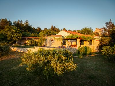 ...that reminiscent of a small hacienda which is dominated by Dalmatian stone