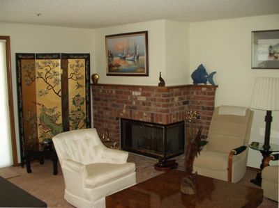 FIREPLACE & LIVING ROOM