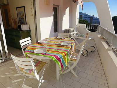 Photo for One bedroom Apartment, sleeps 4 in La Grande-Motte with Pool, Air Con and WiFi