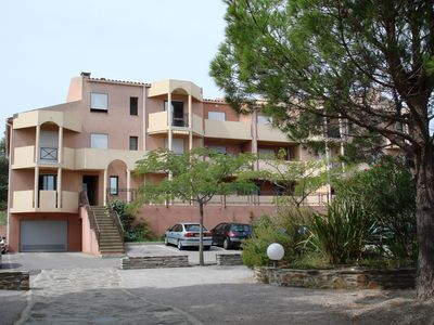 Photo for T2 in quiet residence with garden and secure parking