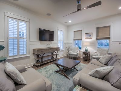Photo for 4 Bedroom Pet Friendly Home Near Dragonfly Pool with New 6 Passenger Golf Cart!